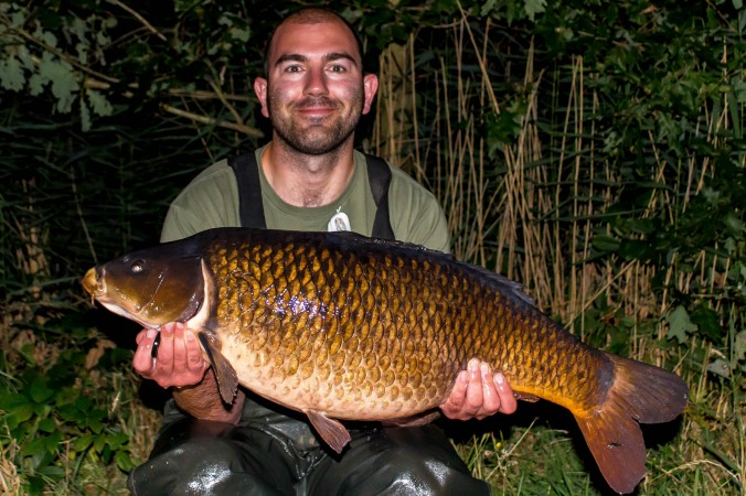 Mike Linstead with a 25lb 1oz North Lincolnshire Common Carp