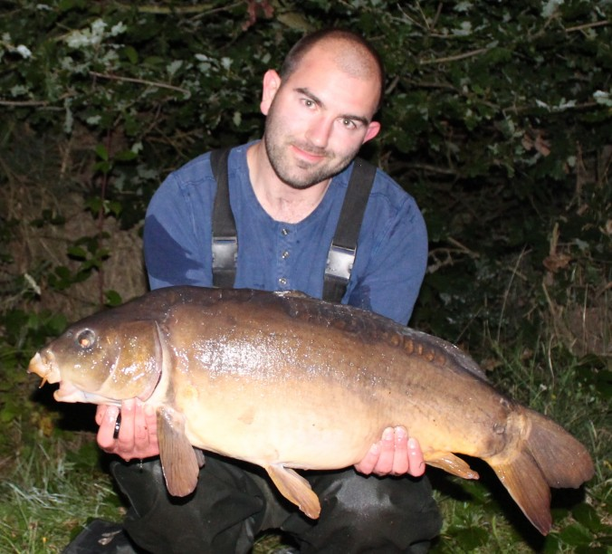Mike Linstead with a 19lb 9oz North Lincolnshire Mirror Carp