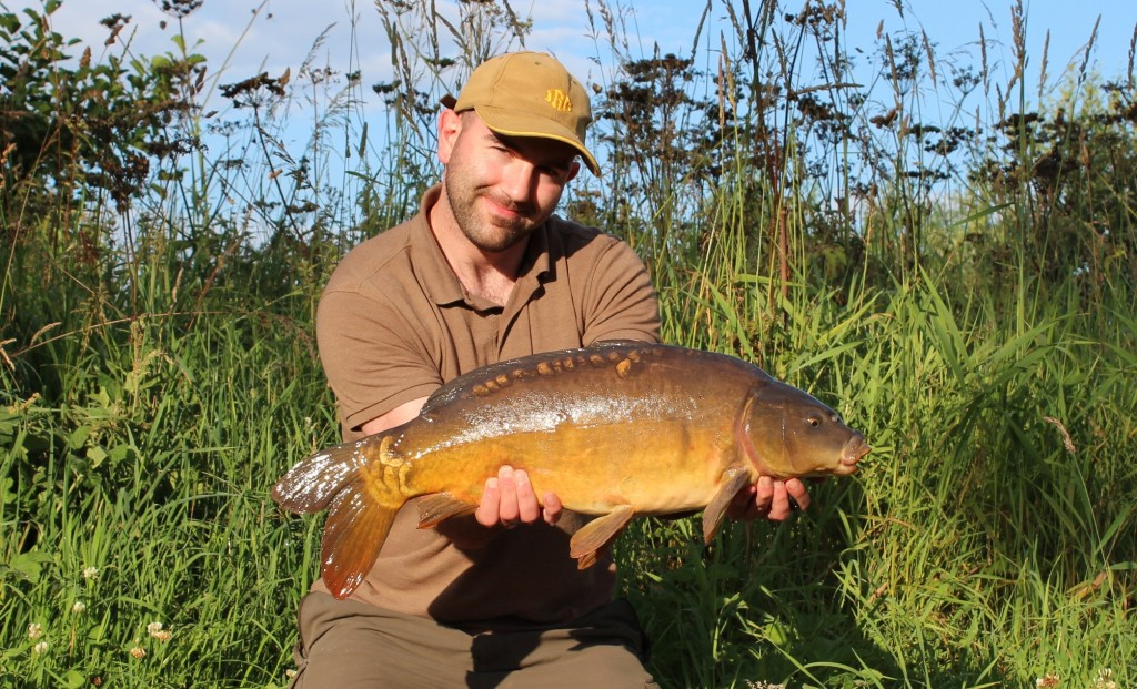 Mike Linstead with a 15lb 11oz Mirror Carp from Manor Carp Lake in East Yorkshire