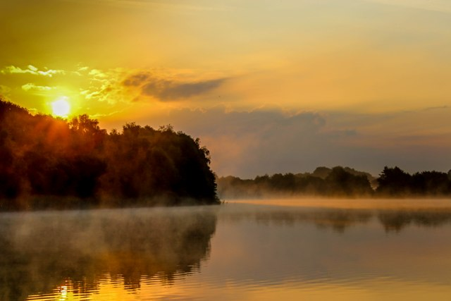 Sunrise on a North Lincolnshire lake by Mike Linstead