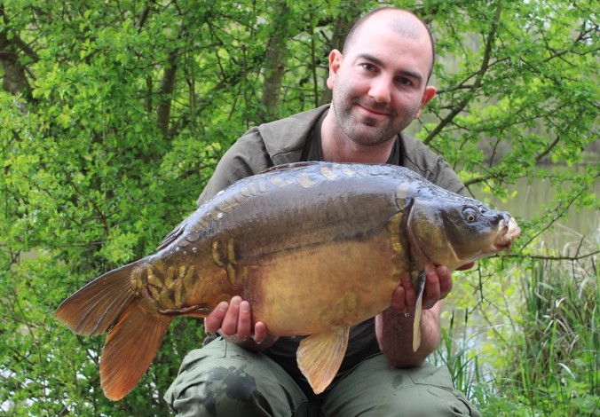 Mike Linstead with a Mirror Carp from La Fonte