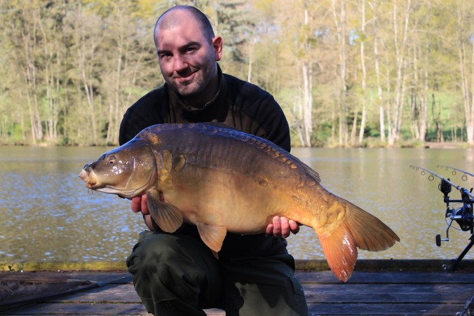 Mike Linstead with a 23lb Mirror Carp from La Fonte